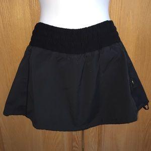 RARE Lululemon Black Skirt Skort 4 - Older Style